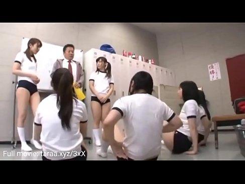 Leraar lichamelijke opvoeding en seks voor Japanse meisjes