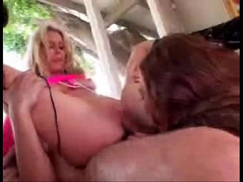 free lesbian clit grinding porn