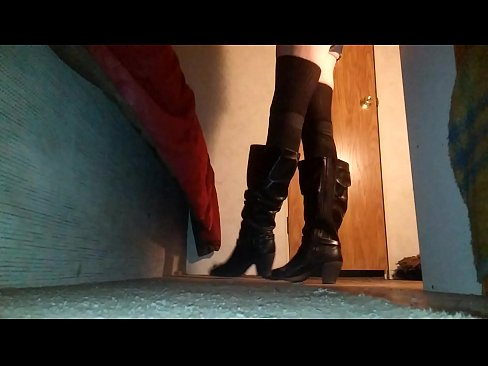 gay shemale shorts and boots Tstvmichellescarlet
