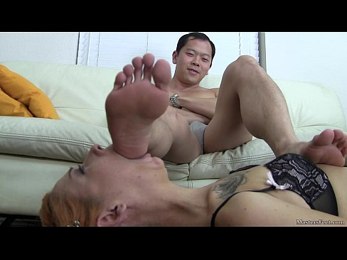 Female worship male feet