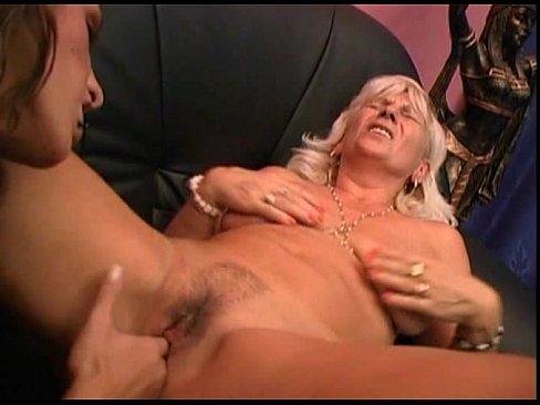 JuliaReaves-nog uit te zoeken1- - Lesbenfieber (NZ9886) - scene 1 - video 3 oral masturbation fetish