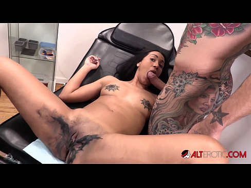 Sindy Ink Pussy Wide Open For Tattoo