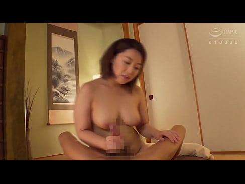 The Naked Housewife: Adachi, Tokyo - Kanna Shinozaki (32) https://bit.ly/3gSIwEf