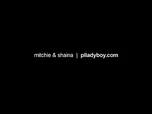Phillipines ladyboy and a cute teen female having some good sex fuck and cum - XNXX.COM