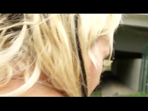 Cheap fuck with a hot blonde prostitute: 40 EUR all-incl