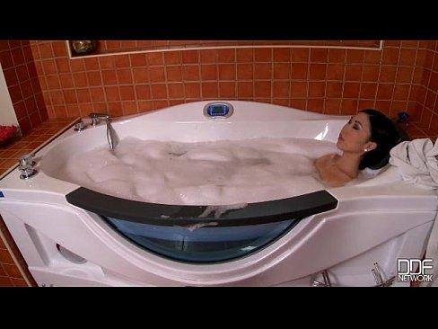 nicoline soapy threesome 621bjd1 360 1200