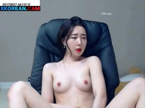 ->-->뜨거운 몸 [0 : 02x235p]와 아름다운 한국 소녀