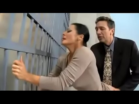 Abogado se coge a la esposa de su cliente