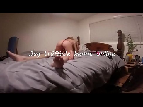 klä av svensk tonåring och knulla henne