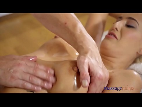 Massage Rooms Oil covered big tits Blanche Summer blows massage therapist