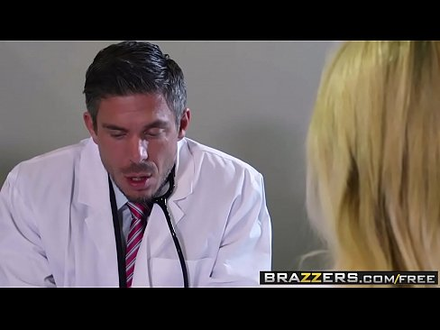 Slutty blonde (Tasha Reign) gets ass fuck by her doctor - BRAZZERS