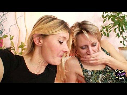Milfs first lesbian sex site xvideoscom Two Mature Amateur Milfs Lesbian First Time Video Xvideos Com