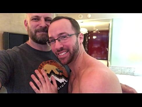 Verbal Dad Breeding a Cute Jock in Vegas