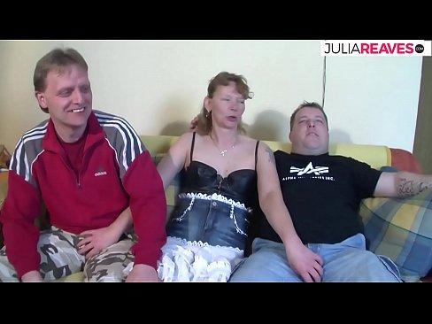 Deutsche Hausfrau will ihren ersten Dreier Fick machen