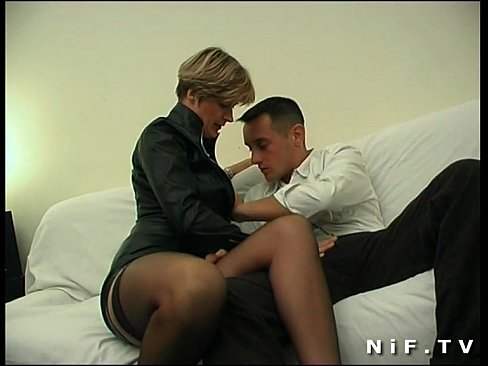 French milf in stockings gets anal fucked