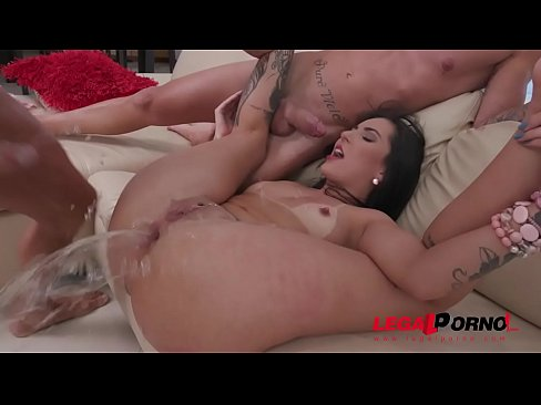 Mmf slut double penetration fucking machines