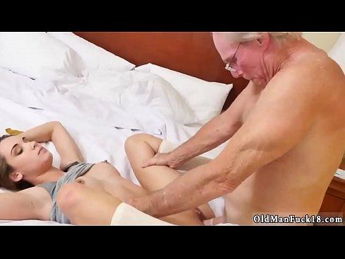 Beautiful Teen Gives Blowjob