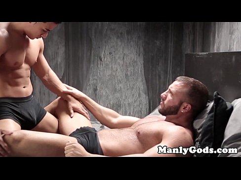 Gay musclular couple fucking closeup