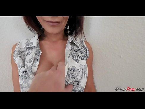 cover video british mom str  aightens son