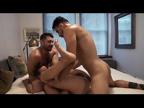 Hot threesome with frech guy