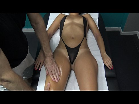 Nymphomaniac Milf Flashing Tits & Seduce her Masseur with her Sexy Transparent Panties! What will Happen?