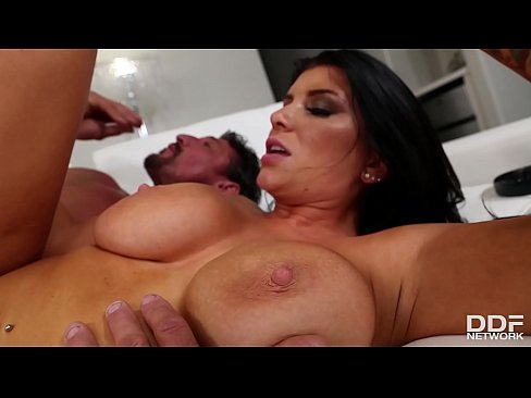 Stud squirts loads of sperm after banging busty Romi Rain's wet pussy hard