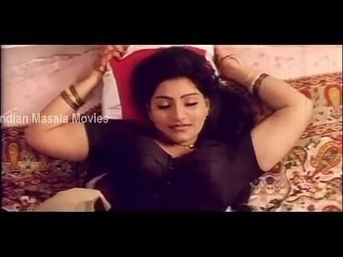Aunty Hot Romantic Scene In Elamai Unarchigal – Babilona, Uday