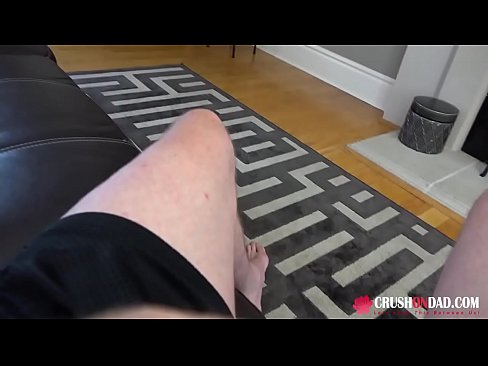 petite stepdaughter(娘) loves to suck and fuck daddy