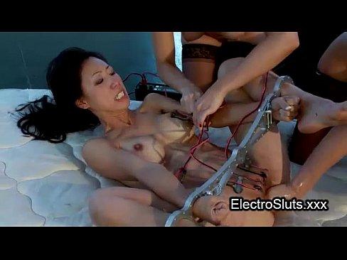 Bdsm squirting porn pics