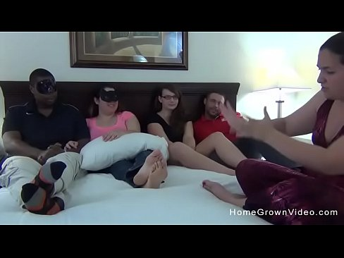 Homemade amateur orgy with two BBWs