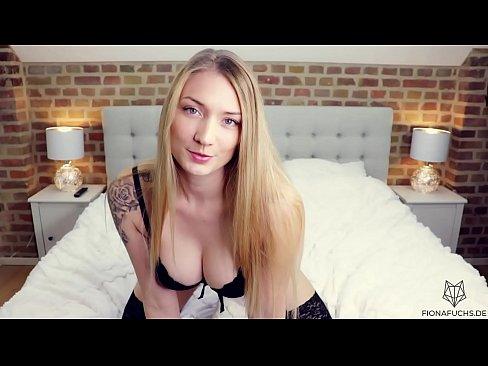 Fiona Fuchs - Blonde Babe &vert