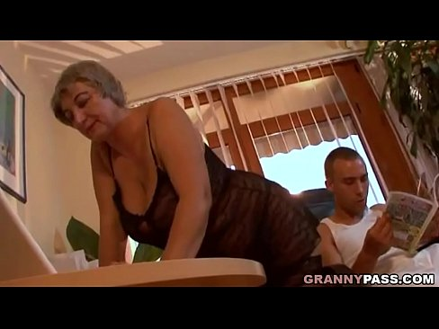 Busty Granny Seduces Young Guy With Her Big Tits Xvideos Com