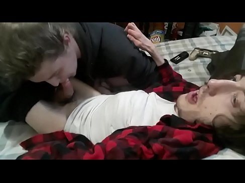 Afternoon BJ - Buddy Cole sucks me off