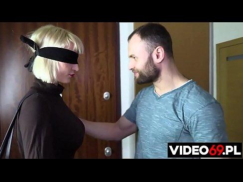 Polskie porno - Niespodzianka dla pani kurator