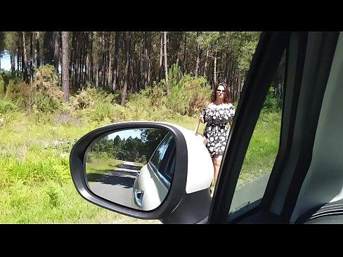 Je ramène cette auto-stopeuse pour baiser son cul !