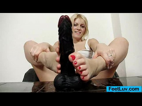 Cute blonde Sweet Cat bare feet show and footjob