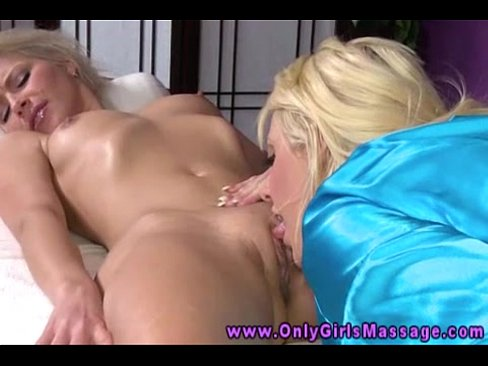 Lesbian Teens Pussy Eating