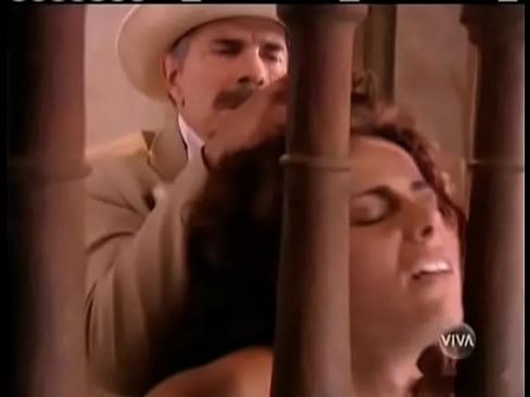 Viviane Araujo in Um so corcao
