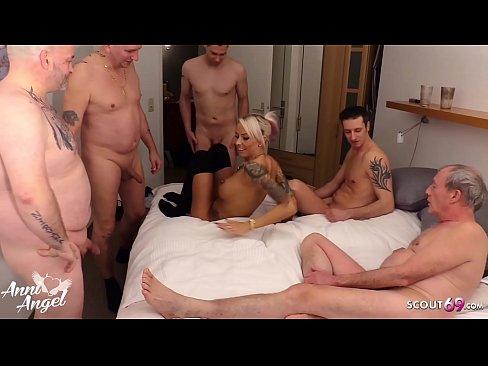 Italienerin Vollbusige College Partysex