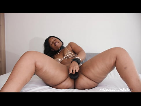 As promised Xolisile Mfeka with her first professional porn movie fucking a BBC and catching cum on her wet pussy. hope you enjoy my video