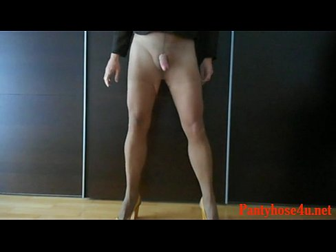 Crossdresser gay porn videos
