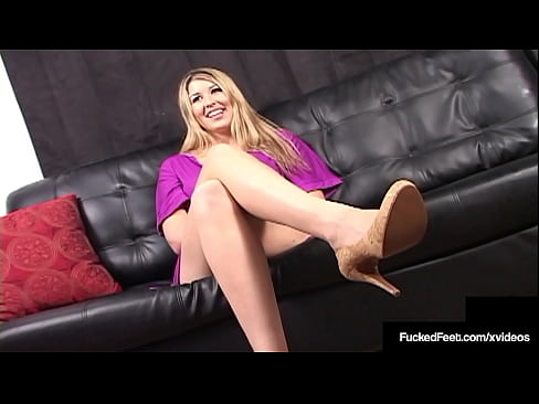Athena Pleasures Gives Amazing Footjob And Gets Milk All Over!