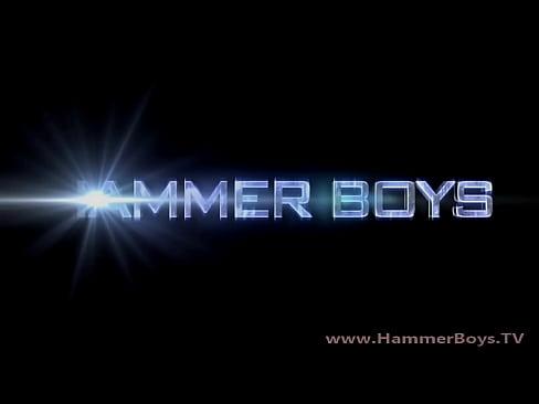 Home alone - steve Hoog from Hammerboys TV