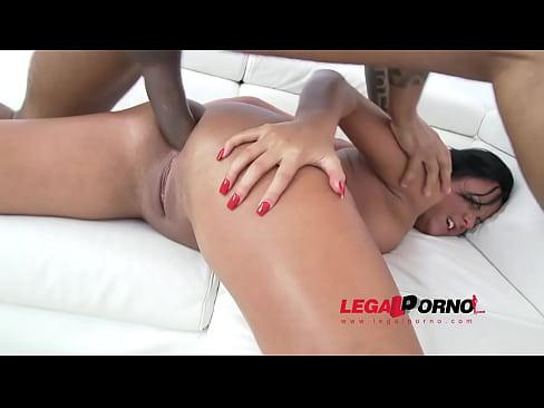 Big butt slut Scarlett Hope first time in studio: 3on1 anal & DP SZ1007