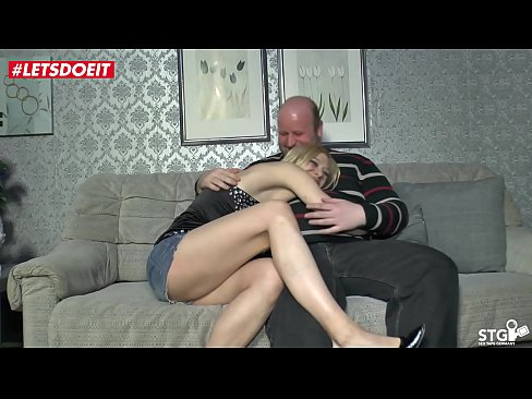 Husband Makes Wife Orgasm