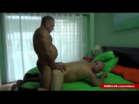 Muscle Daddy Barebacking a Dude