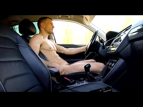 I ride a car naked around the city and show a dick on a public beach / The life of a straight man from Russia