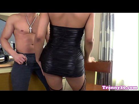 Brazilian barebacked tgirl creams on male ass