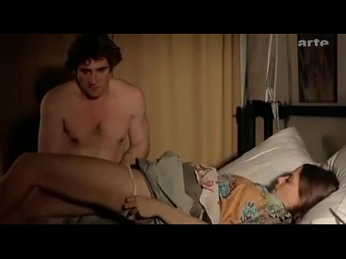 Jennifer Webb  nackt