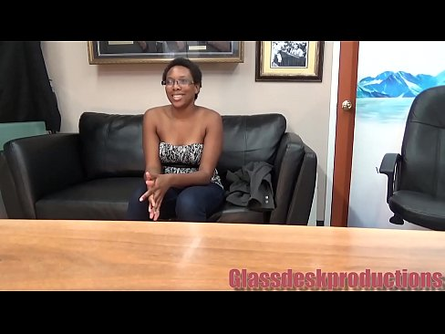 Cheeter has fun in casting couch